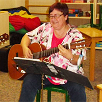 Frau Anker Sozialpädagoge, seit 2004 in der Einrichtung, seit 2011 Leiterin